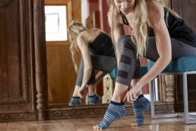 Gaiam Toeless Yoga Socks Skyline